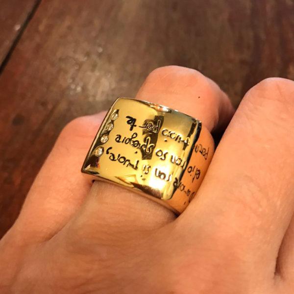 крутейшее кольцо с бриллиантами