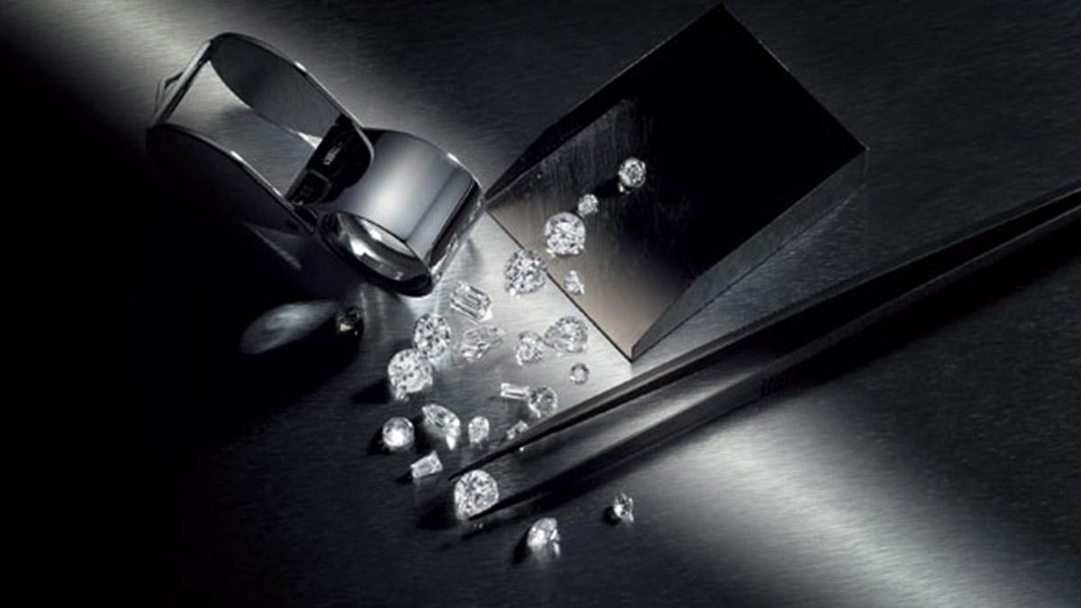 Бриллианты - неотъемлемые спутники роскошных женщин
