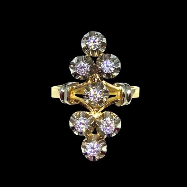 Доступно в любых оттенках золота и серебра с различными комбинациями вставок