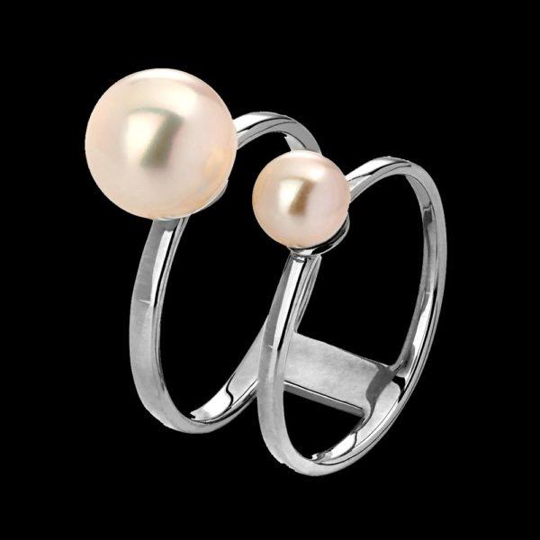 Кольцо в белом золоте с жемчугом