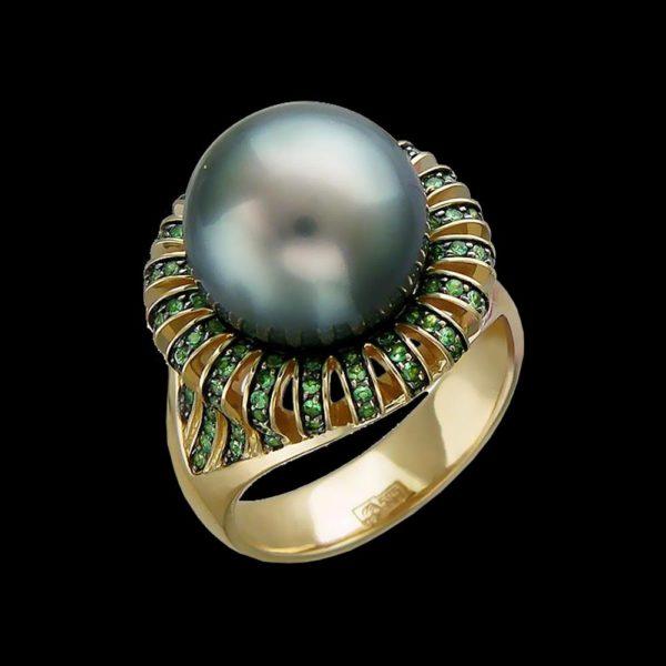Кольцо желтое золото с жемчугом