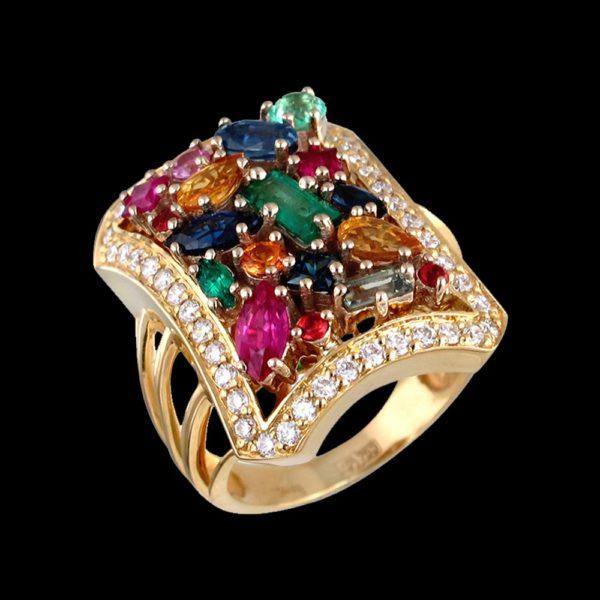 Кольцо в желтом золоте с бриллианами и изумрудом