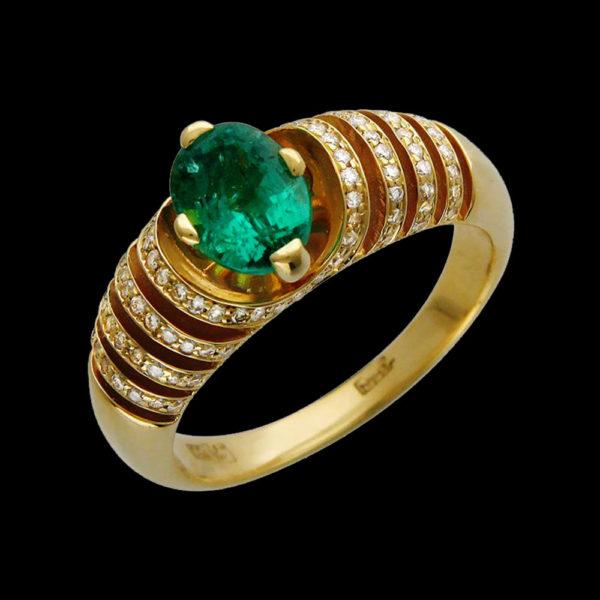 Кольцо в желтом золоте с изумрудом и бриллиантами