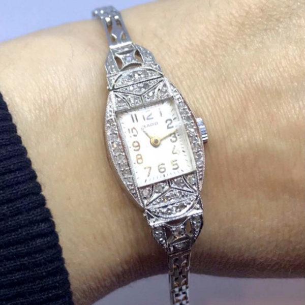 Часы Заря в платине с алмазами