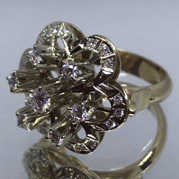 Кольцо в желтом золоте с бриллиантами 1