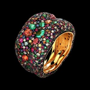 Кольцо с изумрудами, сапфирами, топазами, рубинами и бриллиантами