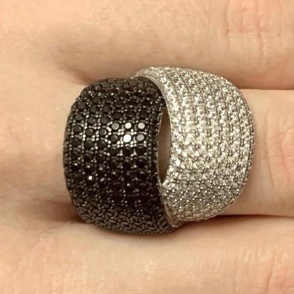 Серебряное кольцо с фианитами 1